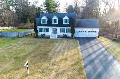 Saratoga Springs Single Family Home For Sale: 8 Mystic La