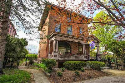 Saratoga Springs Single Family Home For Sale: 39 Franklin St