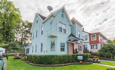 Gloversville Single Family Home For Sale: 21 Highland Terr