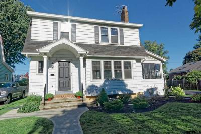 Albany Single Family Home For Sale: 18 Rose Ct