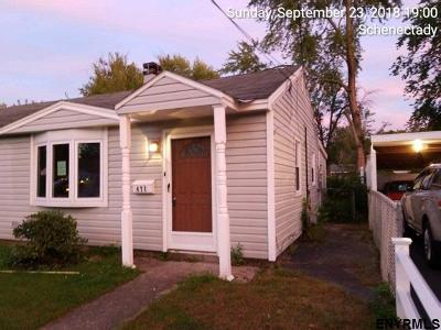 Schenectady Single Family Home For Sale: 471 Bradford Rd