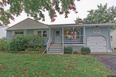 Colonie Single Family Home For Sale: 36 Nelson Av