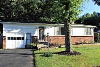 Colonie Single Family Home For Sale: 98 Osborne Rd
