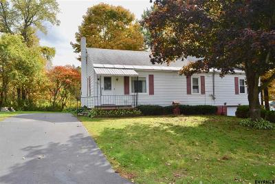 Benson, Broadalbin, Day, Edinburg, Hadley, Hope, Mayfield, Mayfield Tov, Northampton Tov, Northville, Providence Single Family Home For Sale: 296 Lakeview Rd