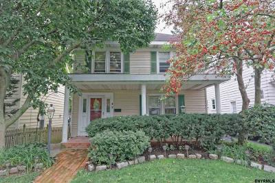Albany Single Family Home For Sale: 43 Hawthorne Av