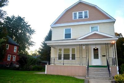Schenectady Single Family Home For Sale: 1131 Parkwood Blvd
