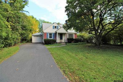 Niskayuna Single Family Home For Sale: 1554 Valencia Rd