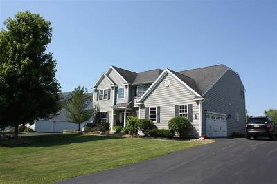 Colonie Single Family Home For Sale: 5 Ridgefield Way