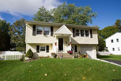 Saratoga Springs Single Family Home For Sale: 26 Northway Ct