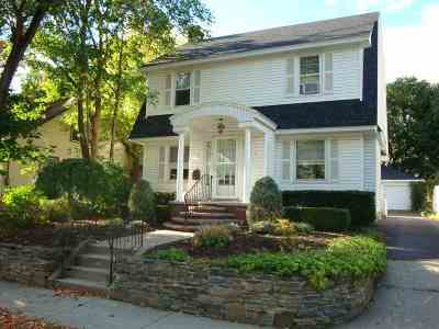 Niskayuna Single Family Home For Sale: 19 Troy Pl