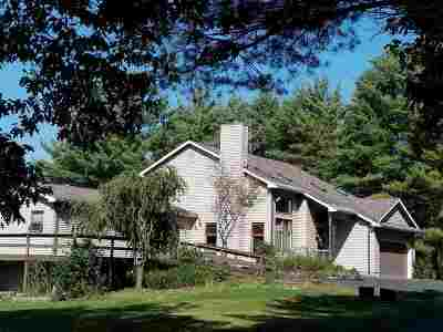 Rensselaer County Single Family Home For Sale: 140 Cold Springs Rd