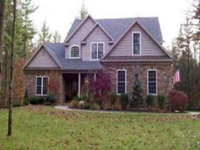 Saratoga County Single Family Home For Sale: 206 Garnet Mine Ct