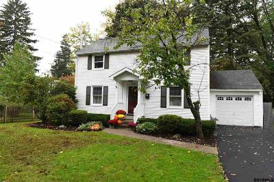 Niskayuna Single Family Home For Sale: 1409 Via Del Mar