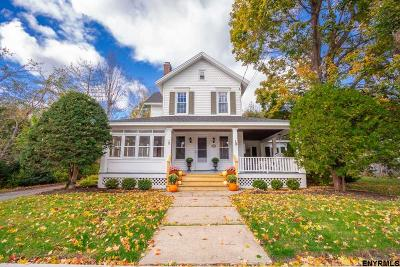 Single Family Home For Sale: 114 Grand St