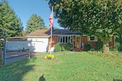Schenectady County Single Family Home For Sale: 4 Havenbrook Dr