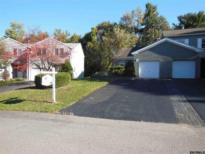 Guilderland Tov Single Family Home New: 7308 Vic Ct