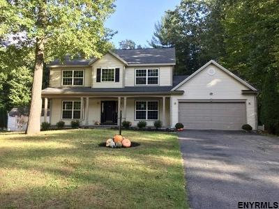 Wilton Single Family Home For Sale: 4 Overlook Dr
