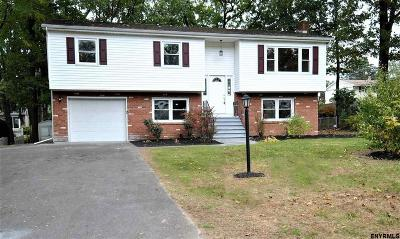 Colonie Single Family Home For Sale: 18 Bethwood Dr