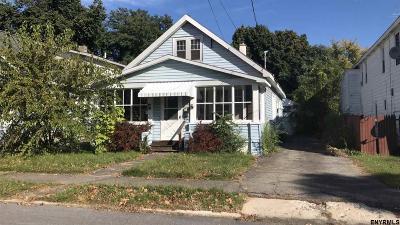 Schenectady Single Family Home For Sale: 2505 Turner Av