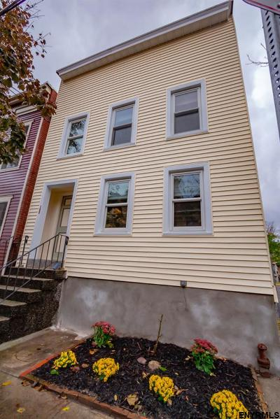 Albany Single Family Home For Sale: 120 Jefferson St