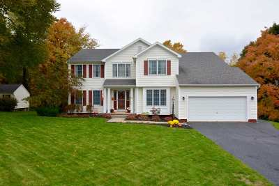 North Greenbush Single Family Home For Sale: 4 Aavelord Blvd