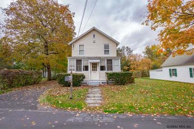 Single Family Home For Sale: 106 Jay St