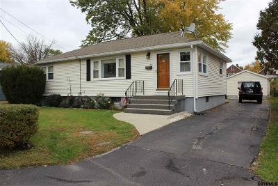 Colonie Single Family Home For Sale: 4 Natick St