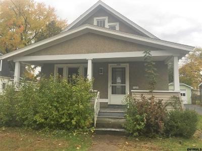 Schenectady Single Family Home For Sale: 922 Cleveland Av