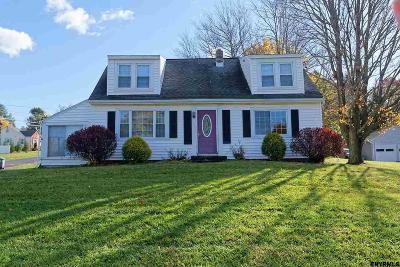 North Greenbush Single Family Home For Sale: 179 Bloomingrove Dr