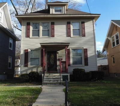 Schenectady Single Family Home For Sale: 610 Bedford Rd