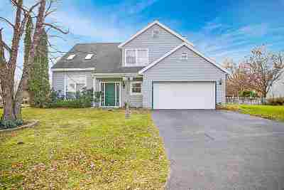 East Greenbush Single Family Home For Sale: 17 Rockefeller Blvd