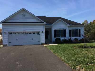 Bethlehem Single Family Home For Sale: 6 Thoroughbred Circle