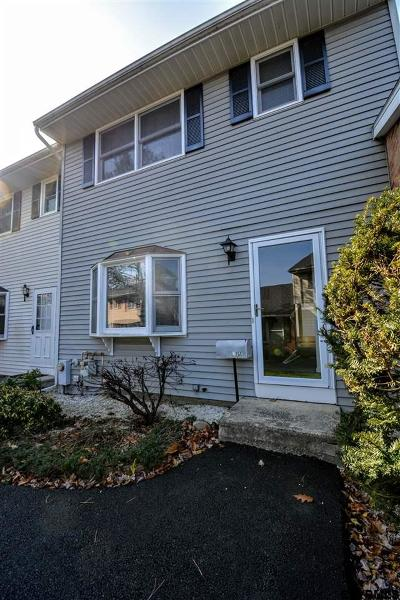 Bethlehem Single Family Home For Sale: 175 Hague Blvd