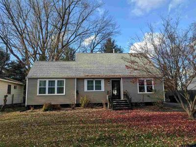Colonie Single Family Home New: 37 Tanglewood Rd