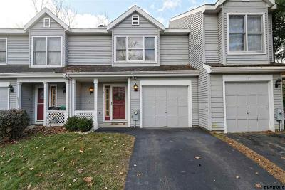 Clifton Park Single Family Home For Sale: 6 Schuyler Ct
