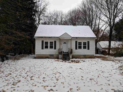 North Greenbush Single Family Home For Sale: 342 Winter St Ext