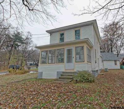East Greenbush Single Family Home For Sale: 248 Hampton Av