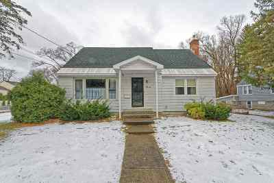 Colonie Single Family Home For Sale: 59 Broderick St
