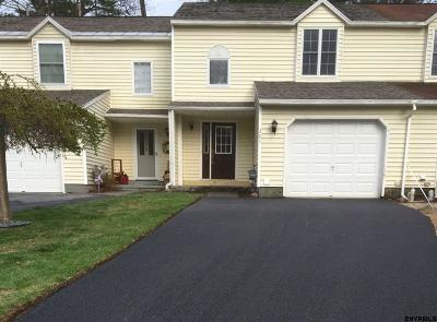 Saratoga County Single Family Home For Sale: 305 Caribou Ct