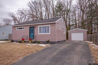 Colonie Single Family Home For Sale: 7 Mary Hadge Dr