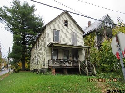 Schenectady Single Family Home For Sale: 801 Davis Ter