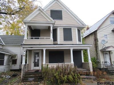 Schenectady Multi Family Home For Sale: 943 Maple Av