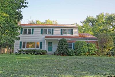 Niskayuna Single Family Home For Sale: 2171 Fox Hill Dr