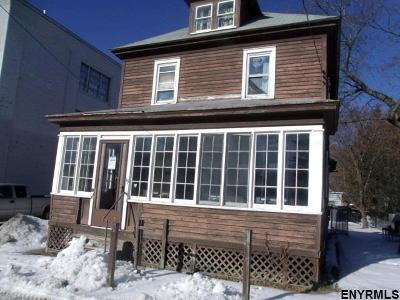 Gloversville NY Single Family Home For Sale: $26,000