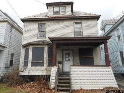 Schenectady Single Family Home For Sale: 915 Brandywine Av