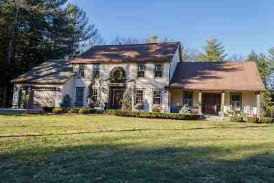Wilton Single Family Home For Sale: 2 Amanda Ct