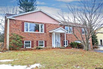 Niskayuna Single Family Home For Sale: 1413 Fox Hollow Rd