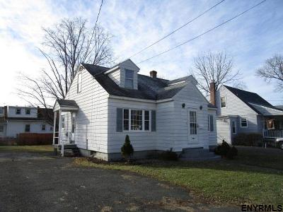 Rensselaer Single Family Home For Sale: 1008 Mann Av