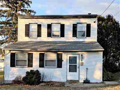 East Greenbush Single Family Home For Sale: 9 Pinegrove St