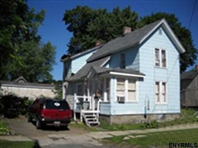 Gloversville NY Single Family Home For Sale: $32,000